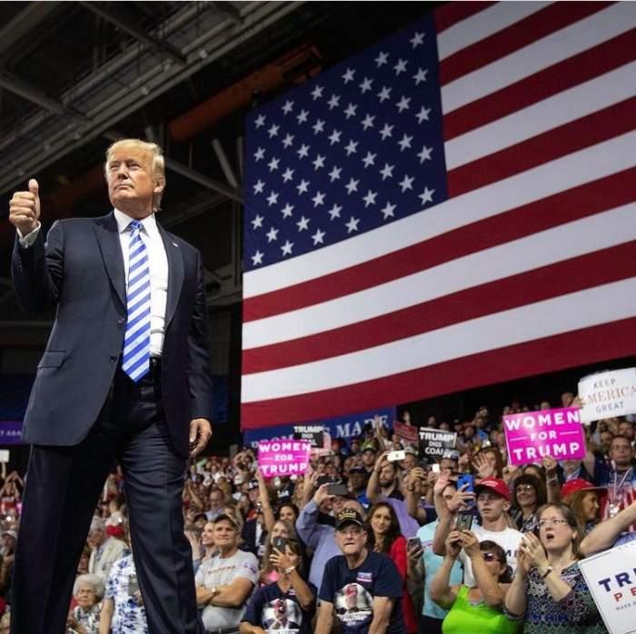 Donald Trump în timpul unei campanii