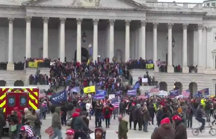 sustinatori donald trump protest