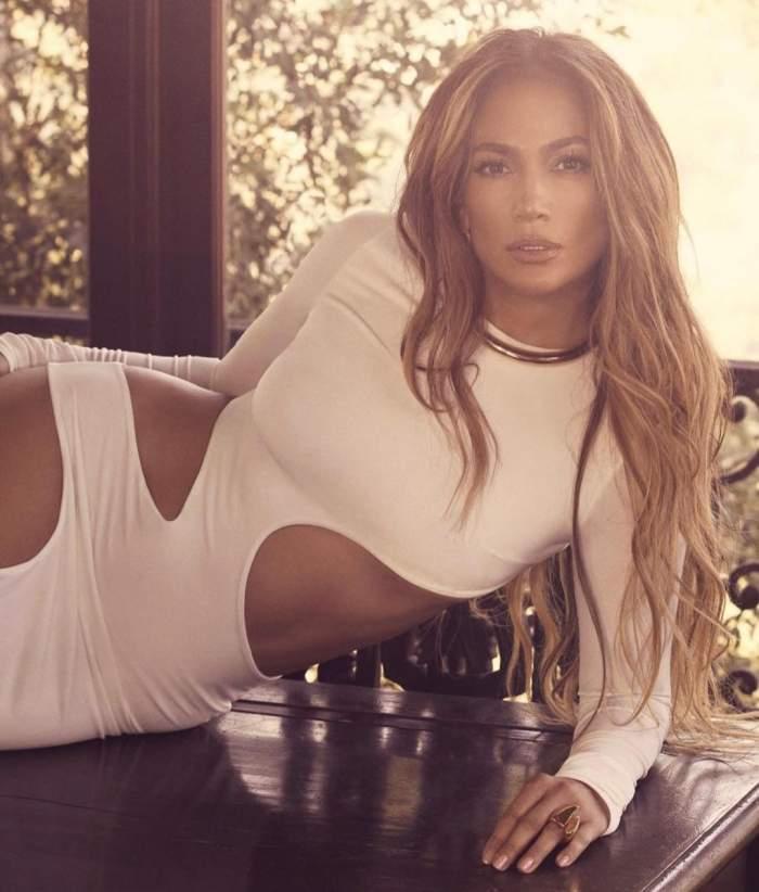 """Jennifer Lopez și-a scos posteriorul bombat la înaintare! Motivul pentru care a primit critici de la fani. """"Nu acum"""""""