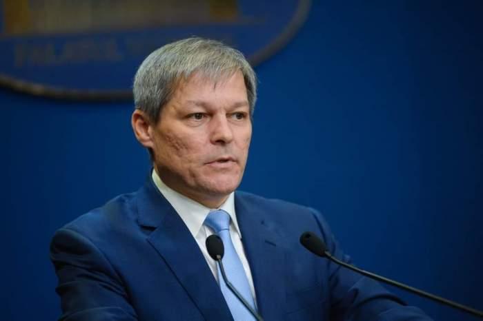 Klaus Iohannis l-a desemnat premier pe Dacian Cioloș, după consulărille făcute cu partidele parlamentare