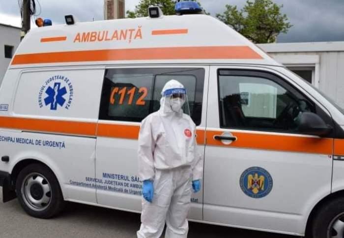 Un bărbat din Ploiești confirmat cu COVID-19 a ieșit din casă dezbrăcat complet. Fiica bolnavului a anunțat imediat autoritățile