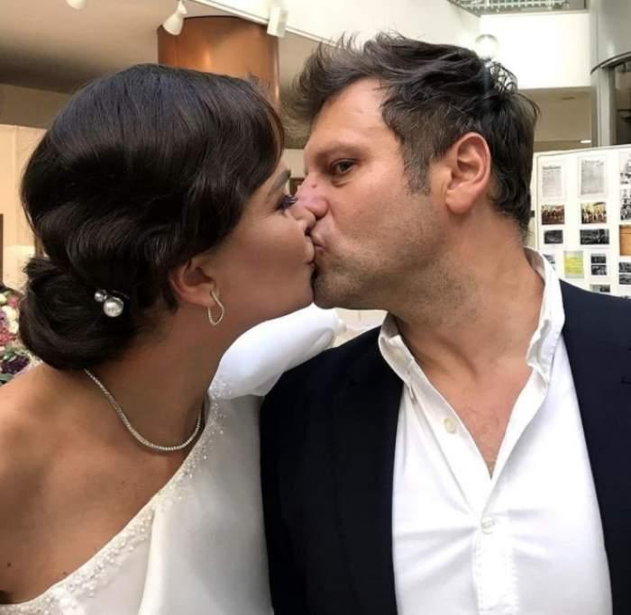 Imagini de la nunta Alinei Pușcaș. De ce prezentatoarea TV și Mihai Stoenescu s-au căsătorit după cinci ani de relație / FOTO