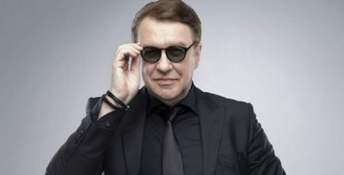 Gabriel Cotabiță cu ochelari