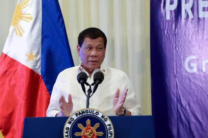 """Soluția șocantă găsită de președintele din Filipine pentru imunizarea populației împotriva COVID-19. ,,Să-i injectăm în somn pe antivacciniști"""""""