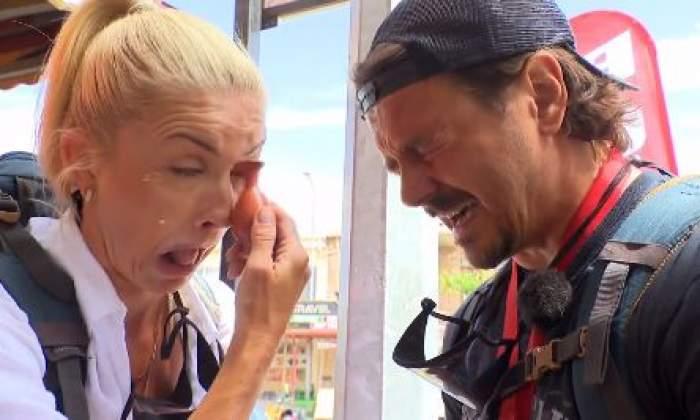 Mihai Petre și soția plâng