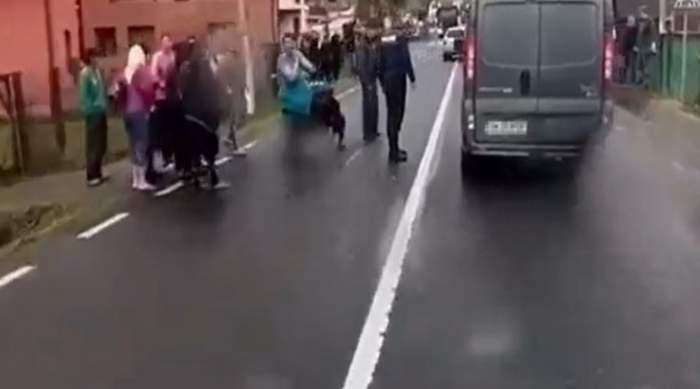 Accident grav în Maramureș! Un copil de șapte ani a fost spulberat de un autoturism, în timp ce încerca să traverseze / FOTO