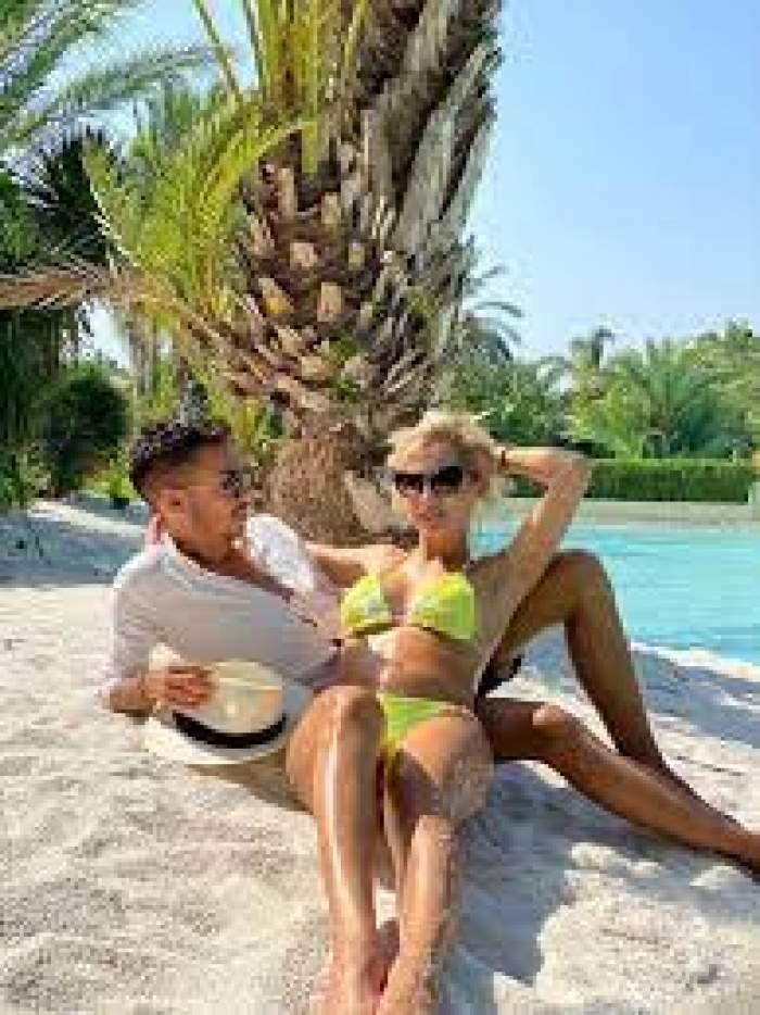 Armin Nicoară și Claudia Puican, pe plajă