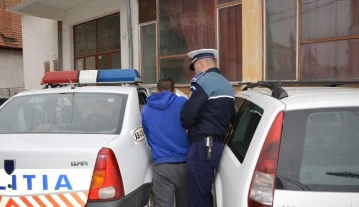 Trei minori au fost arestați după ce au ucis în bătaie un om al străzii. Adolescenții au lovit victima cu mai multe obiecte periculoase