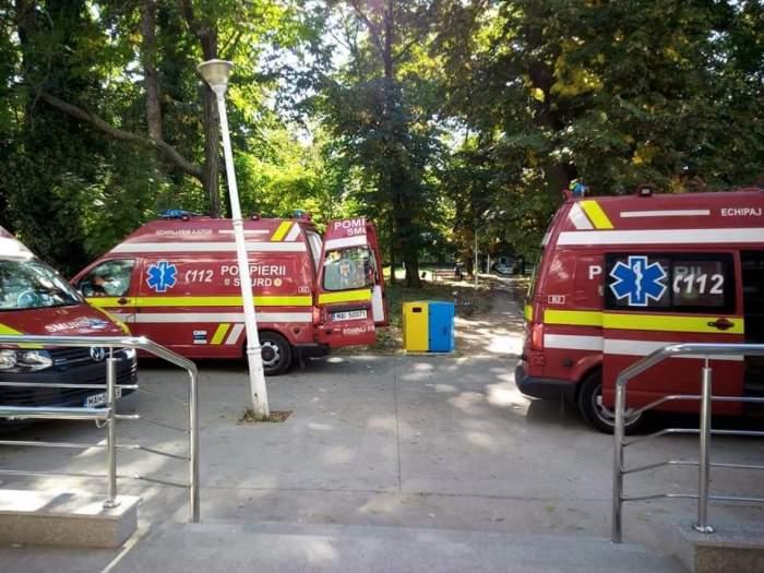Pacienți infectați cu COVID-19 ținuți pe holurile spitalului, pentru că nu mai sunt locuri la ATI. Beatrice Mahler: Stăm mai rău decât în valurile anterioare / FOTO