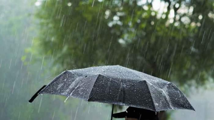Ploile pun stăpânire pe România! Anunțul de ultimă oră făcut de către meteorologii ANM