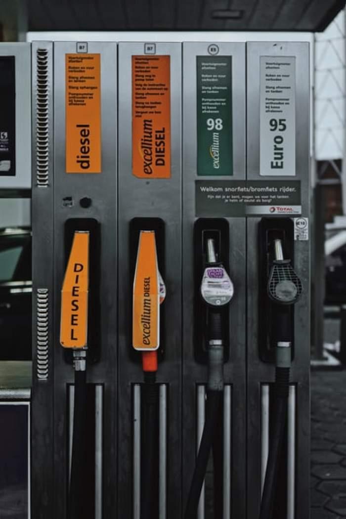 Prețul benzinei, cel mai ridicat din ultimii 7 ani. Motorina a atins maximul ultimilor 3 ani