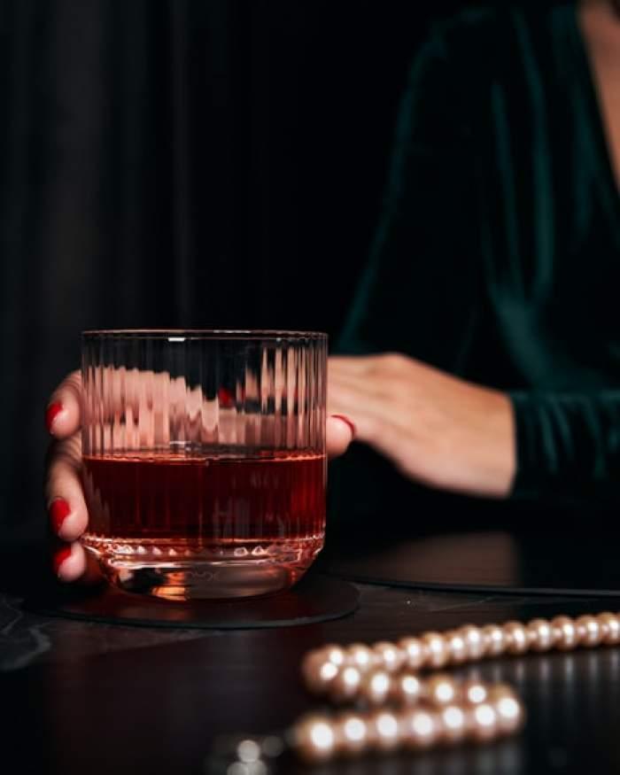Româncă de 23 de ani, moartă în Italia, după ce a intrat în comă alcoolică. Ce i s-a întâmplat tinerei