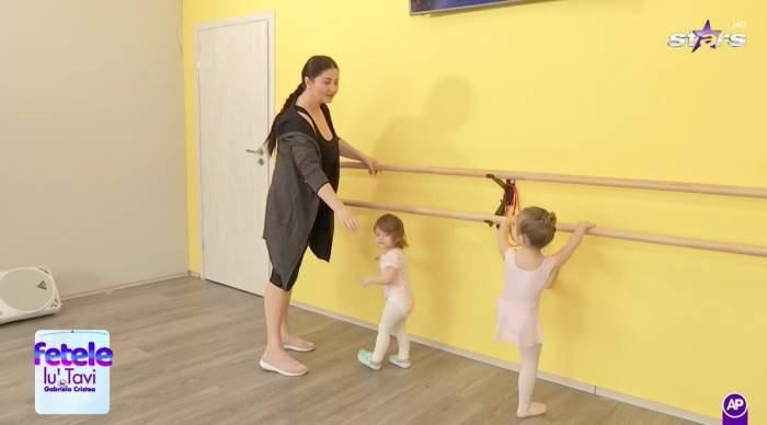 Gabriela Cristea  și fetele ei la balet