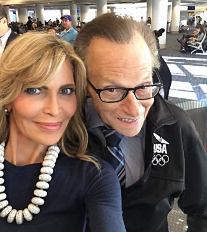 Fosta soție a lui Larry King a contest testamentul celebrului prezentator! Omul de televiziune și-a lăsat toată averea copiilor