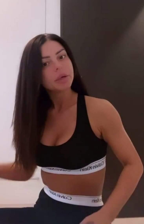 Ana Maria Mocanu, în ținută sport neagră, nemachiată