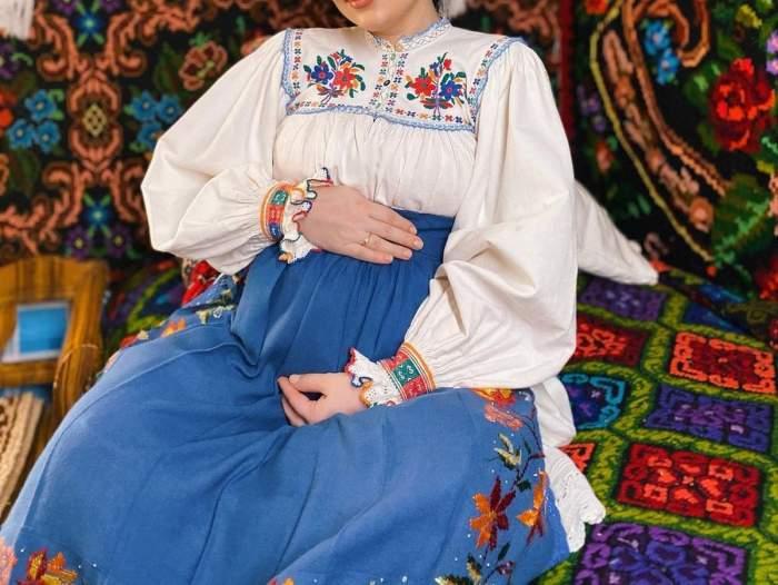Andrada Bărsăuan in costum popular insarcinata pentru prima data