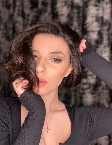 Gloria Barabancea, selfie artistic.