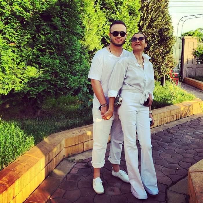 Gabi Bădălău și Claudia Pătrășcanu în perioada în care formau un cuplu, îmbrăcați în alb.