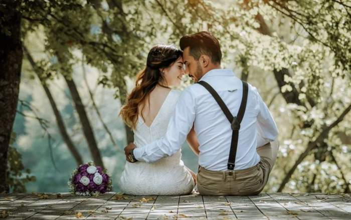 Cuplu în ziua nunții.