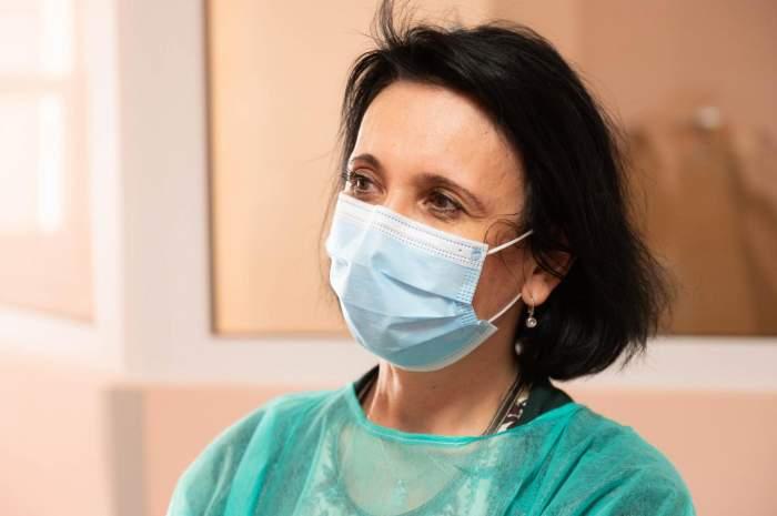 O angajată a fost concediată dintr-o clinică medicală din cauza salariului