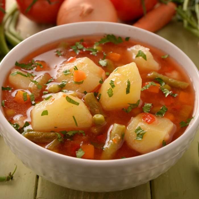 Cea mai bună ciorbă de legume după o rețetă foarte simplă și rapidă