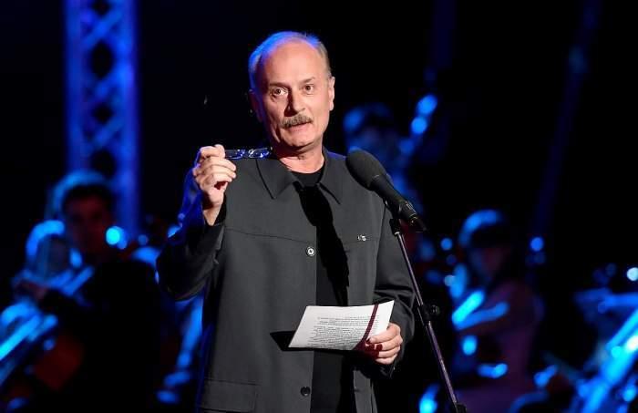 Toni Grecu în timpul unui show.