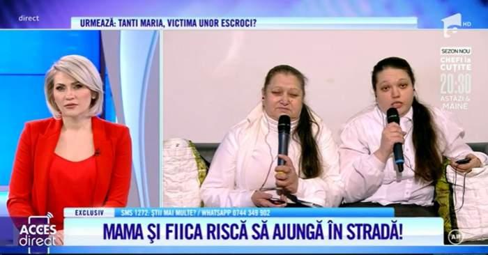 doua femei imbracate in alb stau pe canapea si fac declaratii la acces direct