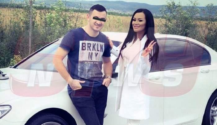Carmen de la Sălciua și Cosmin Isăilă, împreună, lângă o mașină albă
