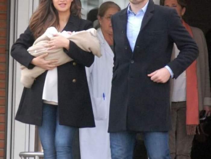 Sara Carbonero și Iker Casillas in urma cu multi ani tinand in brate primul loc copil