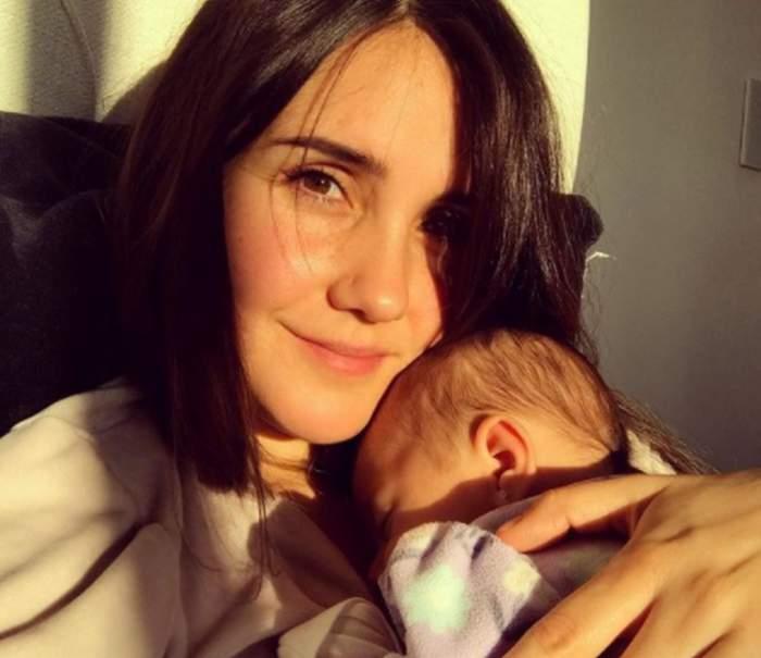 dulce maria din rebelde cu fiica sa in brate