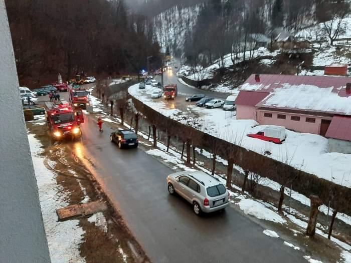Imagini de la incendiul produs la spitalul de psihiatrie din Cavnic. Echipajele de pompieri au intervenit la fața locului.