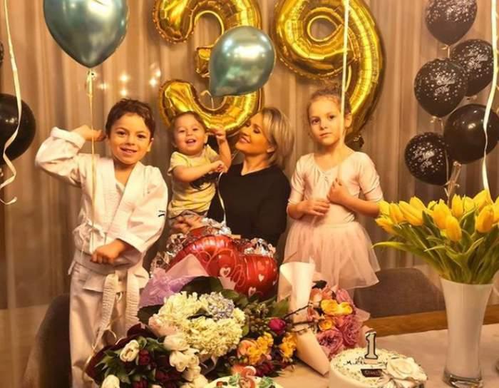 mirela vaida alaturi de cei trei copii si de surprizele primite de ziua de nastere cand a implinit 39 de ani