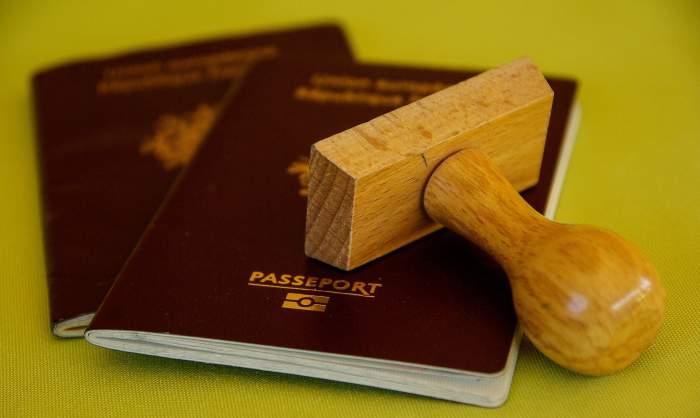 Cum arată certificatul de vaccinare propus de Comisia Europeană. Cine îl are va putea călători fără restricții / FOTO