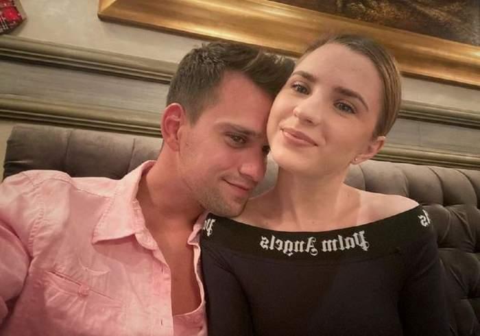 Cristina Ciobănașu și Vlad Gherman pe vremea când erau împreună. El stă cu bărbia pe umărul ei și poartă o cămașă roz. Artista poartă o bluză neagră.