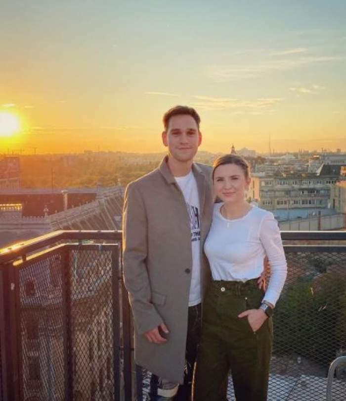 Cristina Ciobănașu și Vlad Gherman în perioada în care formau un cuplu, pe terasă.