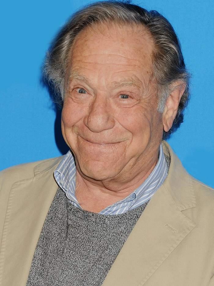 Doliu în lumea filmului! Actorul George Segal a murit, după ce a întâmpinat dificultăți la o operație