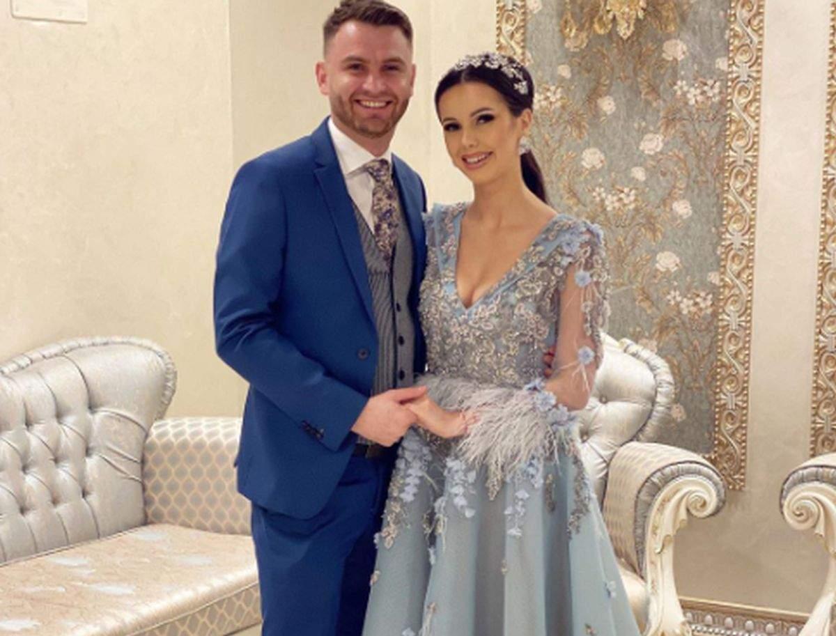 georgiana lobont in rochie eleganta si rares in costum elegant la un eveniment