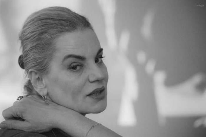 Fotografie alb-negru cu Maia Morgenstern