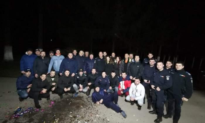 Zeci de jandarmi din Brașov au organizat o petrecere pentru șeful lor. Niciunul dintre ei nu a purtat mască de protecție