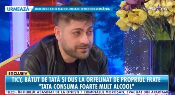 Ticy, îmbrăcat în negru, plânge la Antena Stars