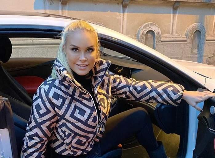 Vica Blochina în mașină