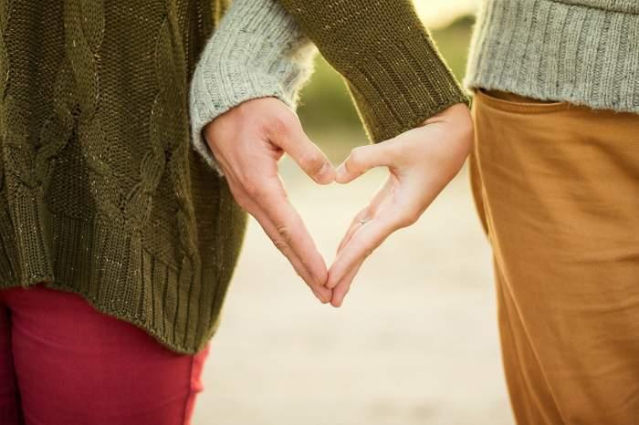 Fă-l să te iubească doar pe tine! 4 trucuri prin care cucerești un bărbat pentru totdeauna