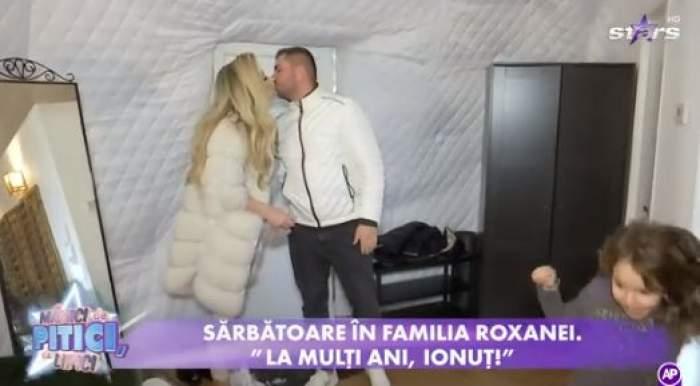 Roxana Vașniuc și iubitul ei se sărută
