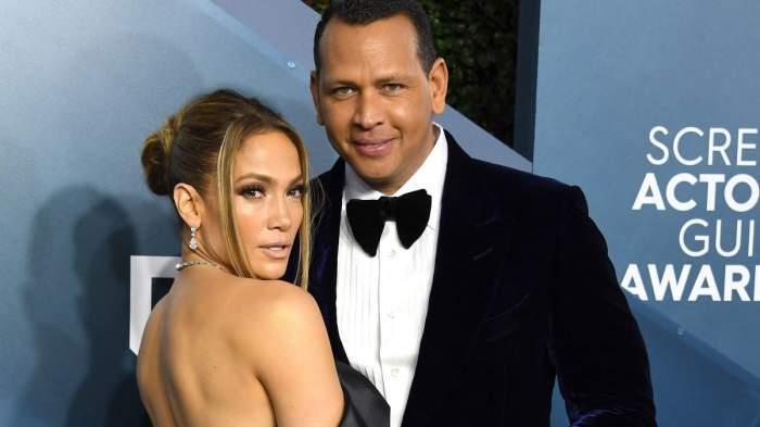 Jennifer Lopes și Alex Rodriguez, eleganți, la panoul foto