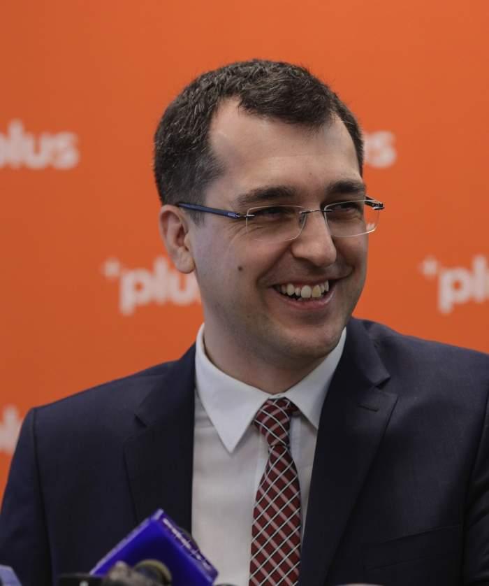 """Prima ieșire publică a fostului ministru al Sănătății, Vlad Voiculescu, după demitere. """"Îmi e teamă pentru oamenii din țara asta"""""""