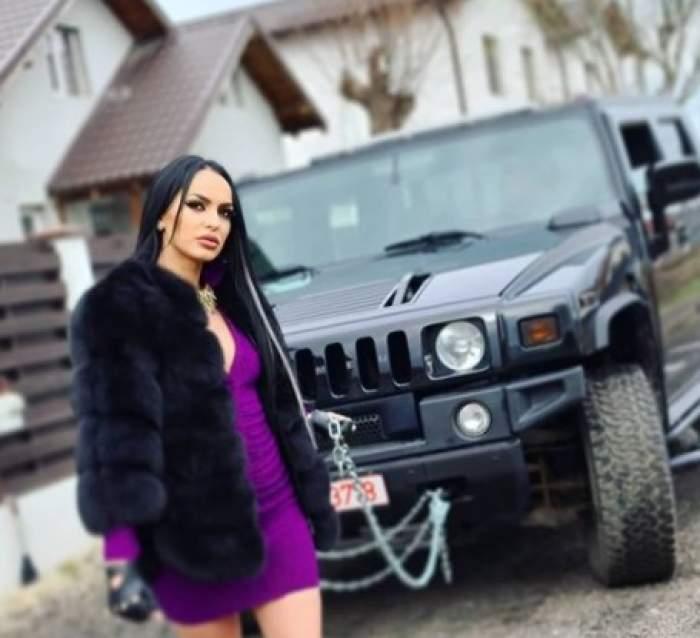 Irina Lepa lângă o mașină