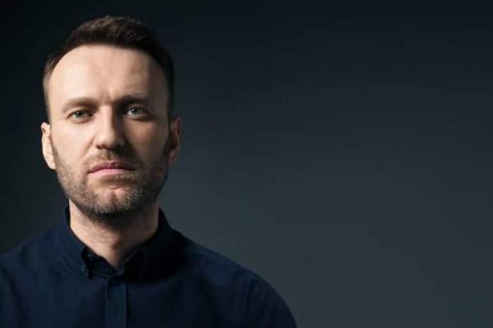 Aleksei Navalnîi în negru