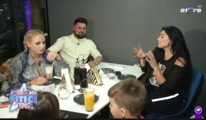 Elena Ionescu la masă cu Sânziana Buruiană, soțul acesteia și copiii