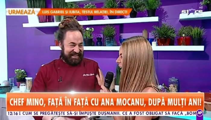 Ana Maria Mocanu și chef Mino sunt la Antena Stars. Ea poartă un maiou negru și el uniformă de bucătar vișinie. Amândoi râd.