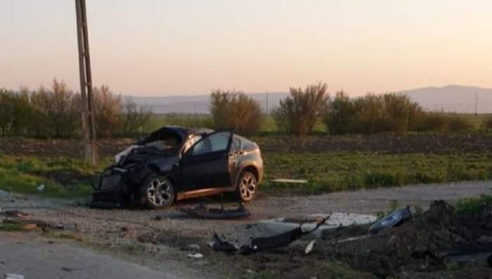 Mașina care s-a rostogolit în accidentul din județul Prahova, unde doi tineri au murit și unul a fost rănit